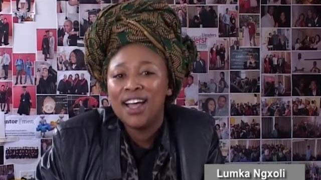 Marcia-Newman_entretient_Lumka Ngxoli,_afrique-du-sud
